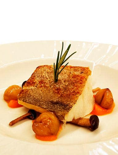 COMBINING THE BEST LOCAL PRODUCTS AND HERITAGE, WE OFFER AN EXQUISITE GASTRONOMIC EXPERIENCE
