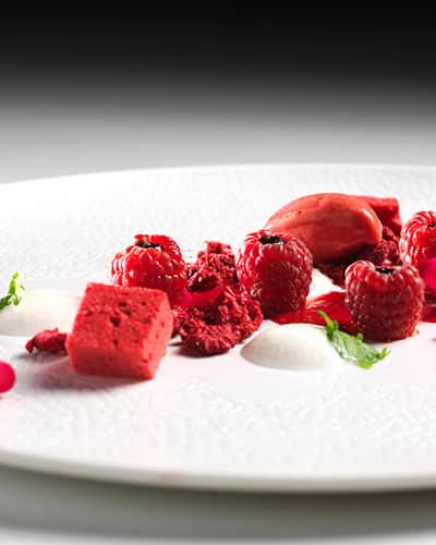 Sourcing only the best of local produce from the Aosta Valley, our chef, Stefano Granata, under the guidance of 6-star chef Enrico Bartolini, brings you a truly exquisite gastronomic experience.